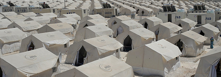 photo of tents in a refugee camp